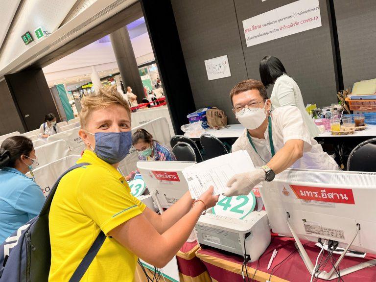 จิตอาสา มทร.อีสาน รับลงทะเบียนฉีดวัคซีนโควิด ณ ศูนย์เซ็นทรัลโคราช ประจำวันที่ 21 มิ.ย. 64